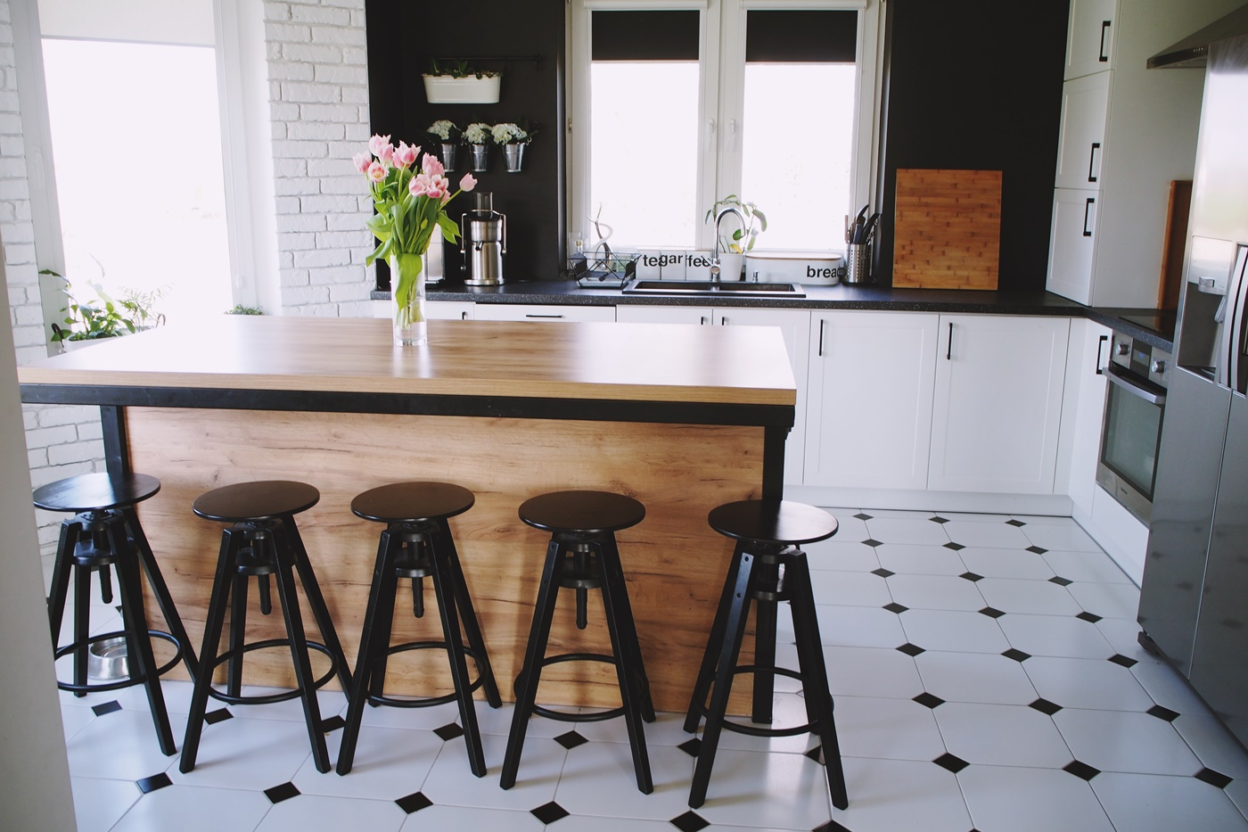 Podłoga w kuchni jakie płytki ceramiczne wybrać do kuchni
