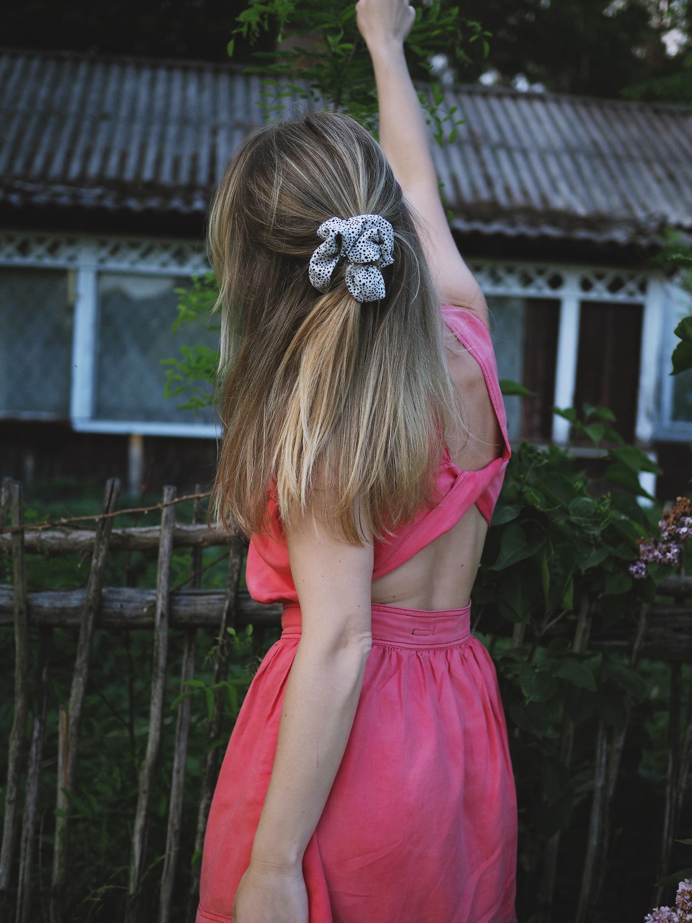 różowa sukienka na lato
